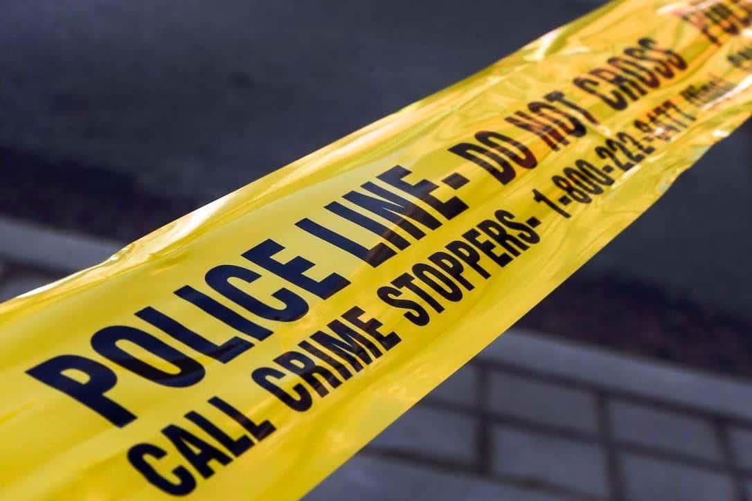 Photo of القبض على رجل يمسك بسيف في موقف سيارات في سكاربورو