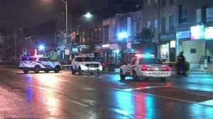 صورة مقتل رجل في إطلاق نار في شارع دانفورث في تورونتو
