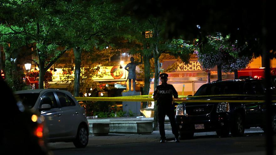 Photo of شرطة تورنتو تبحث عن مشتبه به بإطلاق النار على رجل
