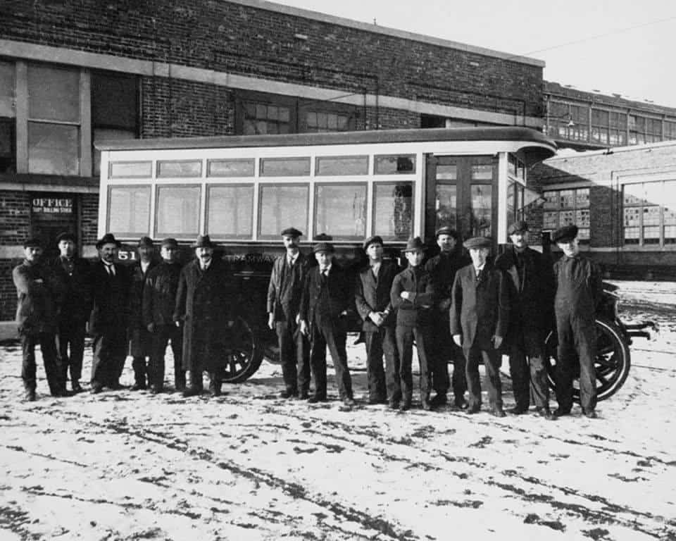 Photo of #حافلات #مونتريال تحتفل بالذكرى السنوية 99