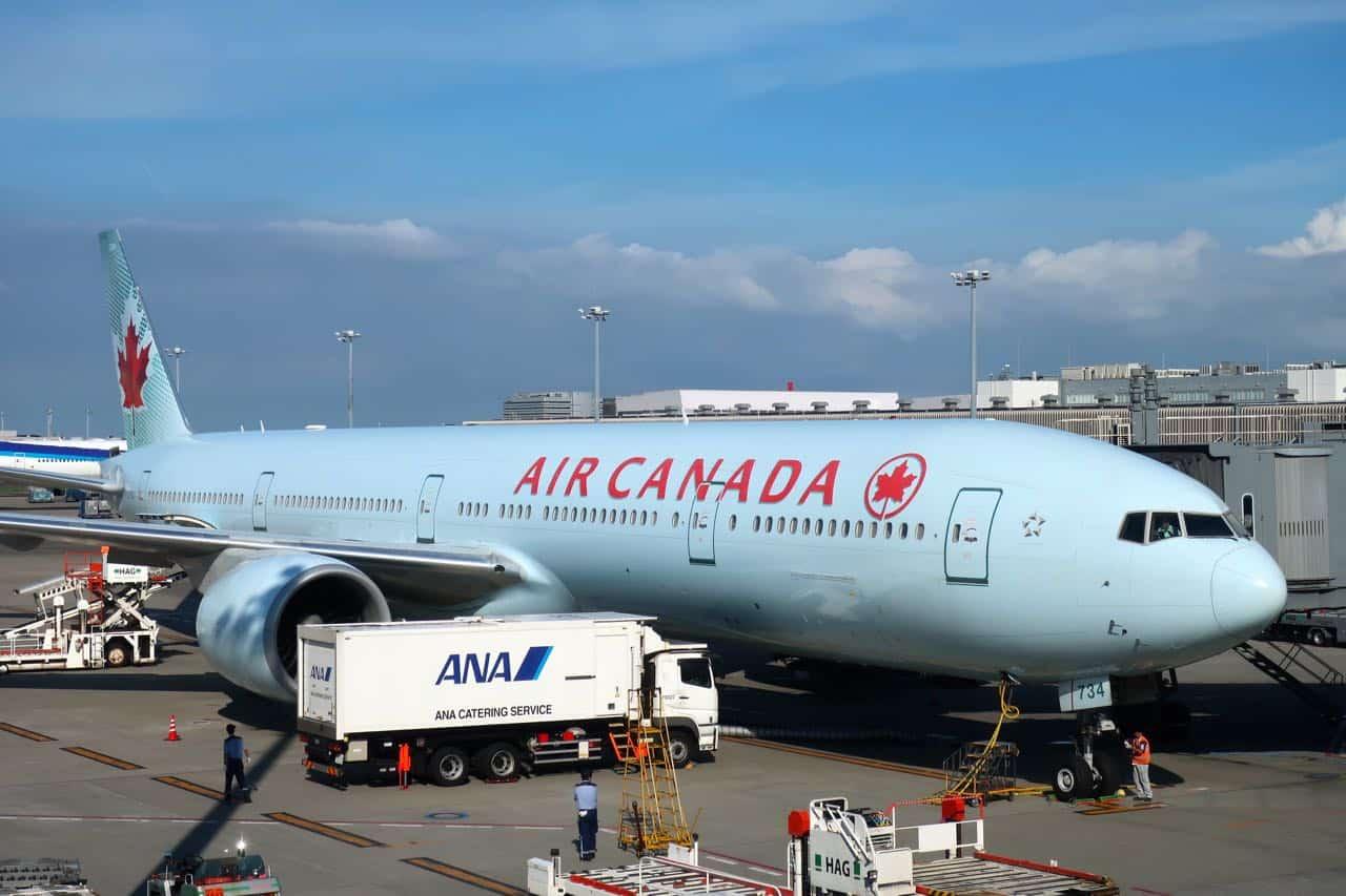 صورة طائرة #إير_كندا تعود الى #فانكوفر بمنتصف رحلتها الى هاواي