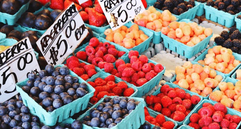 Photo of #سوق نباتي #مجاني يعود إلى #كالجاري هذا الربيع