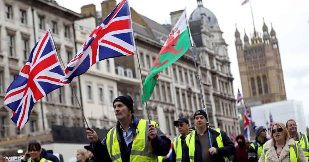 Photo of عدوى #السترات_الصفر تنتقل إلى #بريطانيا