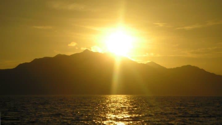 Photo of #الجزيرة التي تشرق عليها #الشمس دقيقة واحدة
