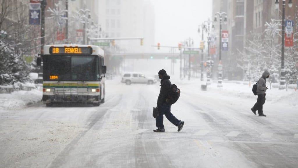 صورة تحذيرات في #تورونتو و #أوتاوا و #مونتريال بسبب تساقط #الثلوج