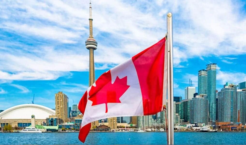 """صورة """"فيات كرايسلر"""" تعتزم تسريح 1500 عامل في كندا"""