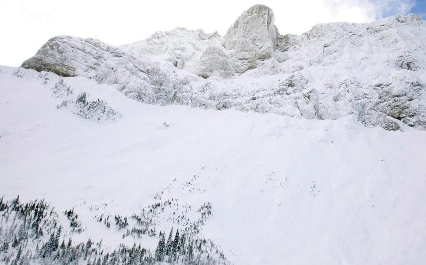 Photo of #تحذير من الانهيارات الثلجية في #فانكوفر