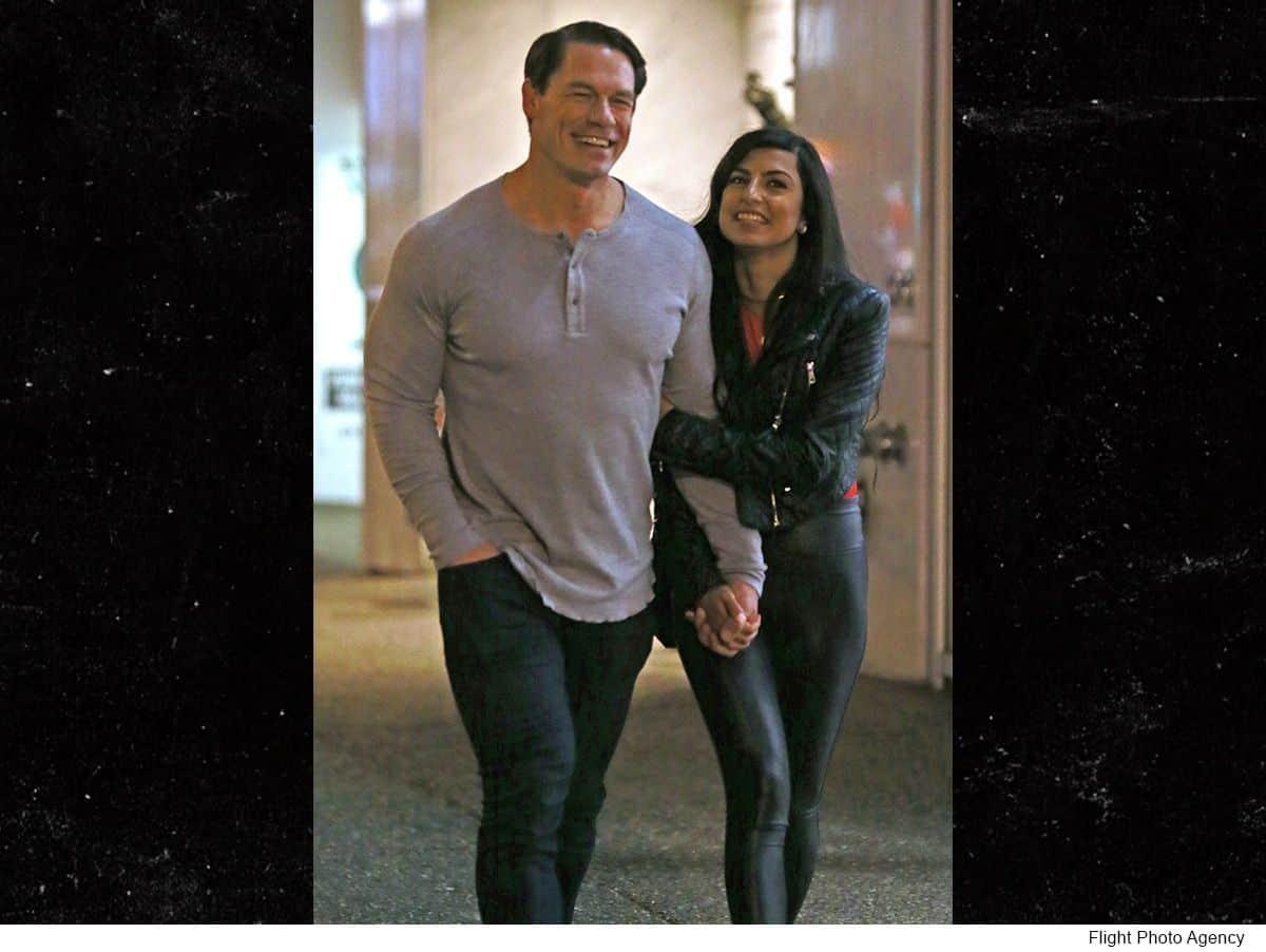 "Photo of جون سينا يواعد فتاة ""فاتنة"" في كندا بعد انفصاله عن نيكي بيلا"