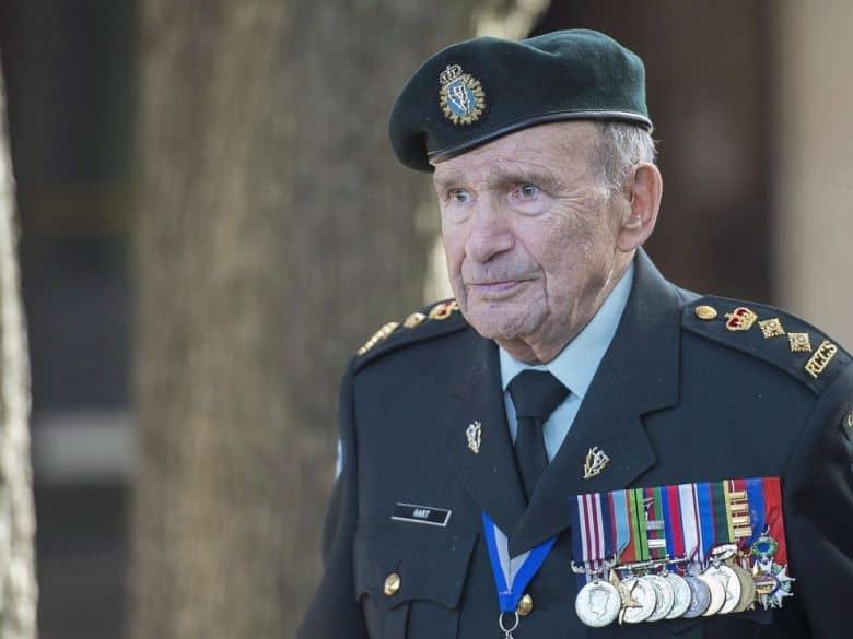 وفاة أطول ضابط عمراً في الجيش الكندي ، عن عمر يناهز 101 عامًا