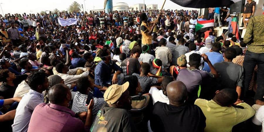 Photo of كندا تطالب الجيش السوداني بالتنحي عن السلطة لصالح حكومة مدنية