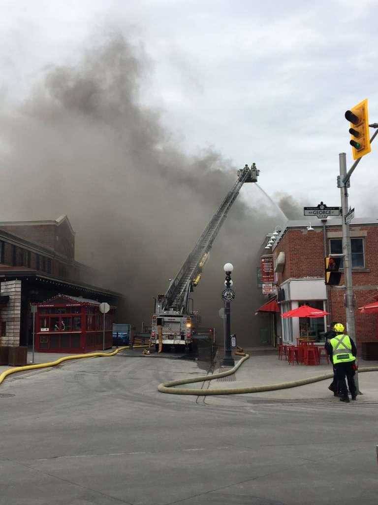 حريق مطعم بسوق ByWard باوتاوا يخلف اضرار بقيمة 2 مليون دولار