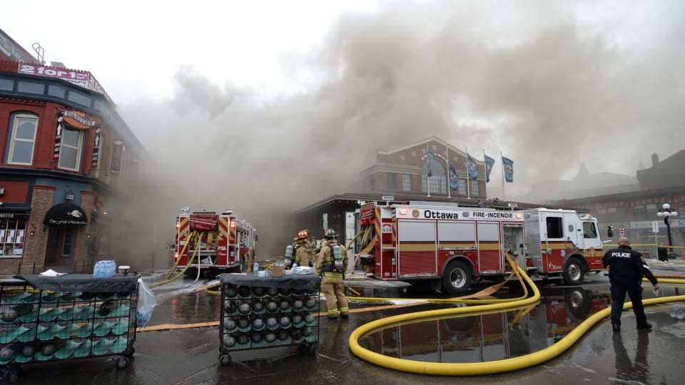 صورة حريق مطعم بسوق ByWard باوتاوا يخلف اضرار بقيمة 2 مليون دولار