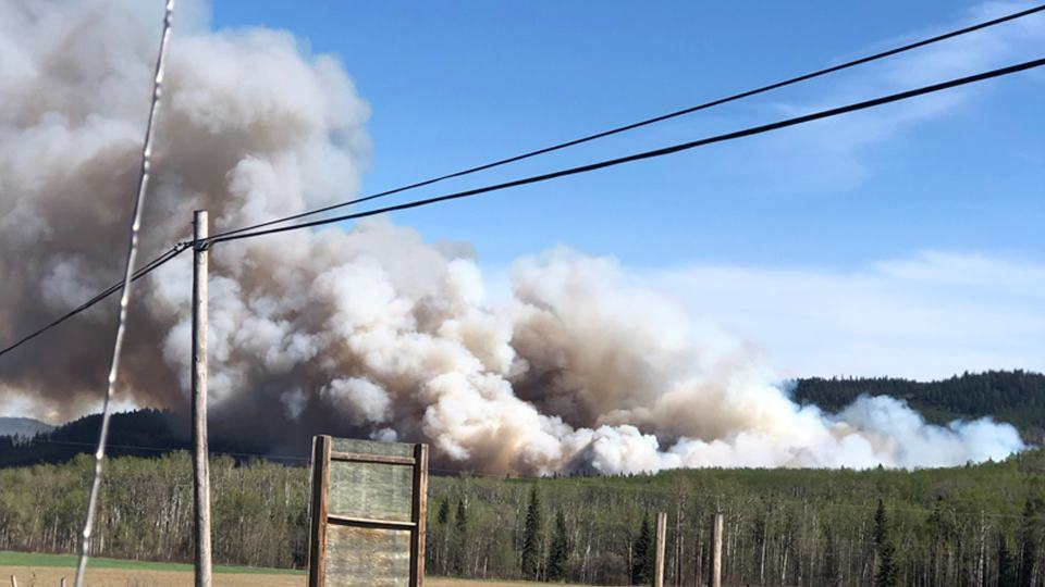حريق ضخم في غابات مقاطعة كلومبيا البريطانية ويعتقد انه بفعل الانسان