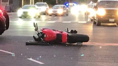 Photo of إصابة سائق دراجة نارية بحادث تصادم في ايتوبيكوك