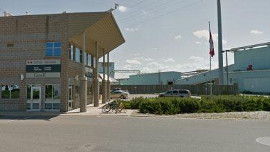 صورة كندا تغرم زائران امريكيين 1000 دولار بسبب انتهاك قانون الحجر الصحي