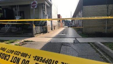 صورة مقتل رجل إثر حادث طعن وقع في منطقة دندس و أوسينغتون