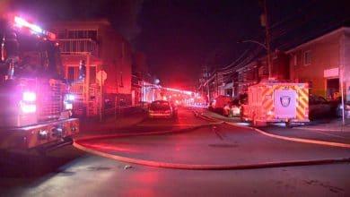 Photo of حريق مشبوه يدمر ست سيارات،ويلحق أضراراً بمبنيين في شمال مونتريال.